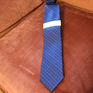 🌺Michael Kors Men's Necktie🌺 💯 % SILK